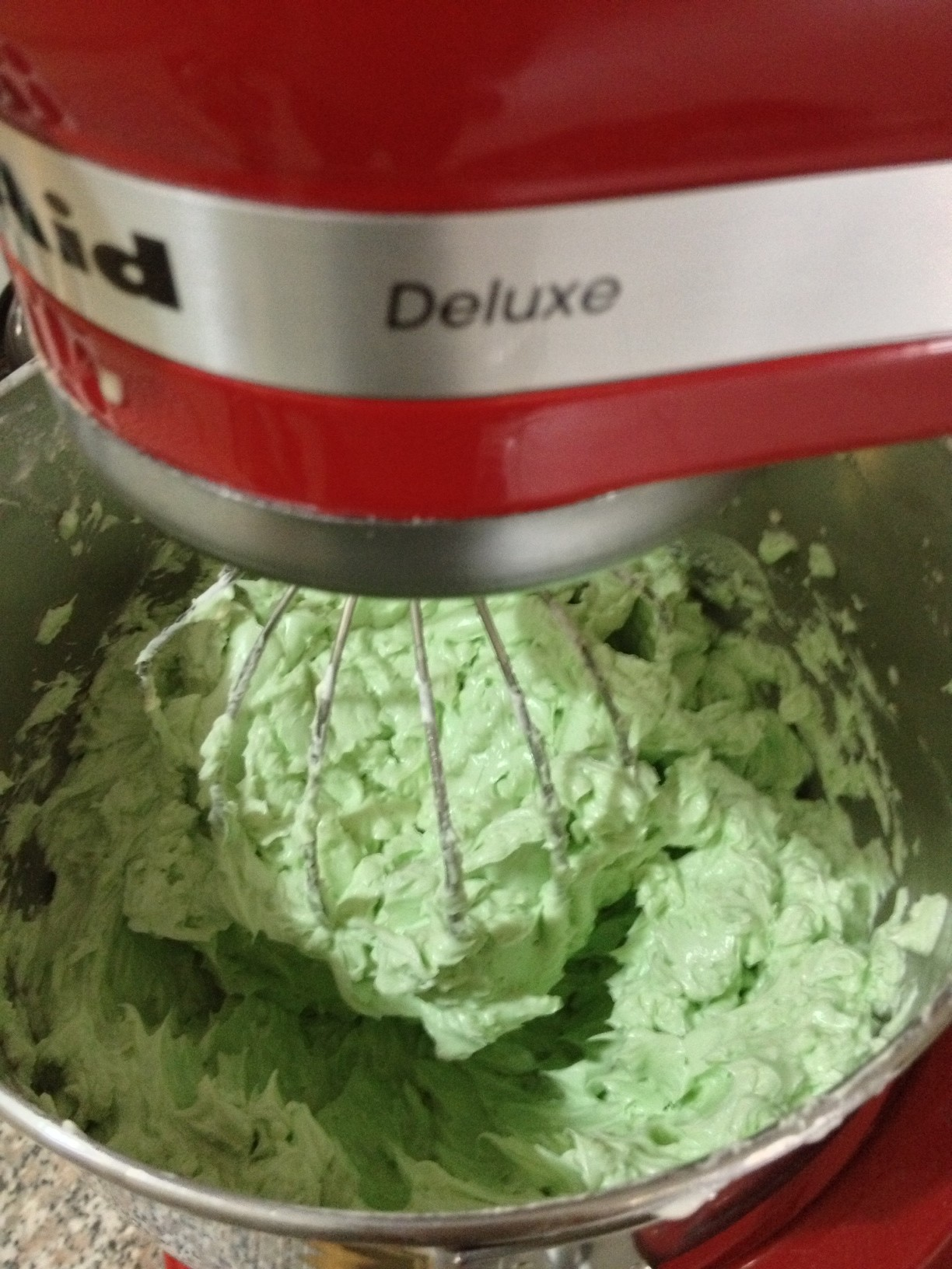 how to make forest green icing